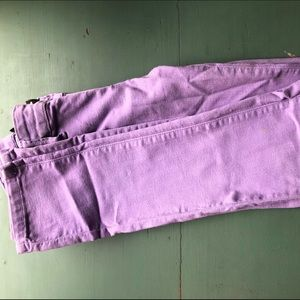 Lilac colored comfortable skinny jeans
